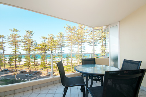 Beachfront Accommodation Manly - Self contained apartments ...